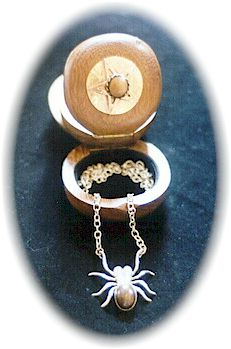 photo - set of Large Spyder Pendant with Tiger Iron stone for body and matching Wooden Jewellery Box by ShadowSmith